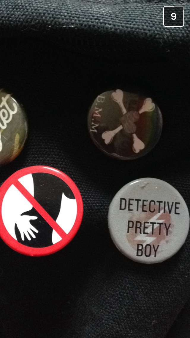 L found a cool as heck badge and I want it 'Detective Pretty Boy'