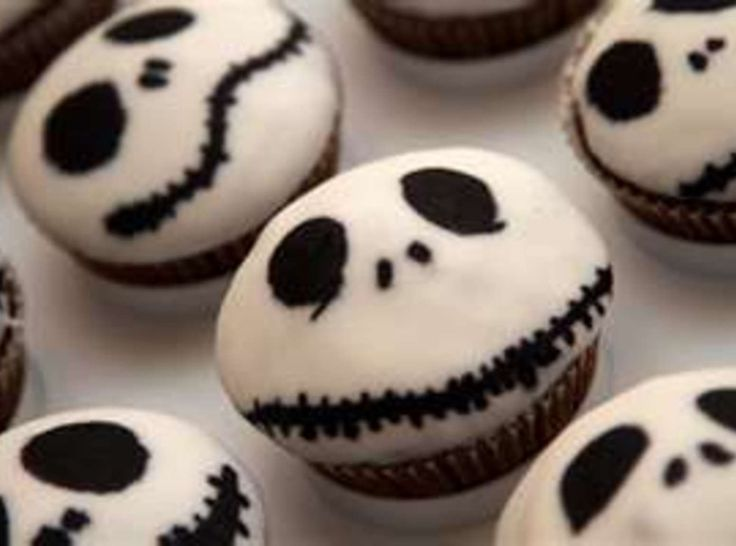 Easy halloween cup cakesCup Cakes, Halloween Cups, Cake Recipe, Halloween Recipe, Halloween Cupcakes, Cups Cake, Easy Halloween, Christmas Cupcakes, Jack Skellington