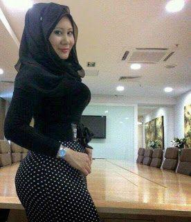 Tante Bahenol Cari Jodoh | Mbah Online