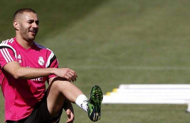 Benzema realiza trabajo de campo en día de recuperación para titulares - El delantero francés del Real Madrid, Karim Benzema avanzó en la recuperación de su lesión muscular al realizar trabajo de campo en la ciudad depo...