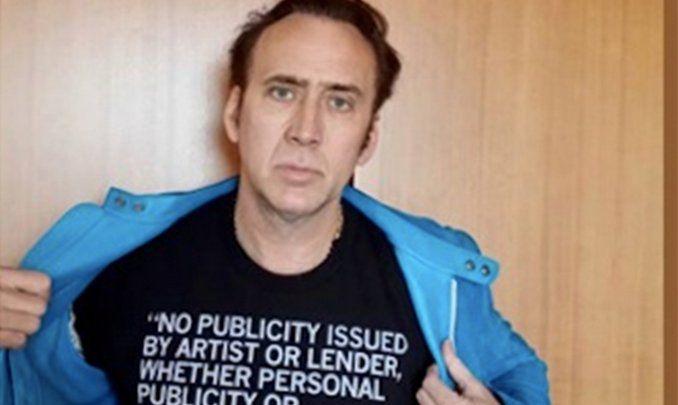 Sin decir una palabra para evitar acciones de la productora, el actor Nicolas Cage dio la cara para una protesta que legalmente no lo es. ¿El objetivo del actor? Sabotear su nueva película Dying of the Light, por no respetar el montaje propuesto por su director Paul Schrader, guionista de la mítica Taxi Driver.