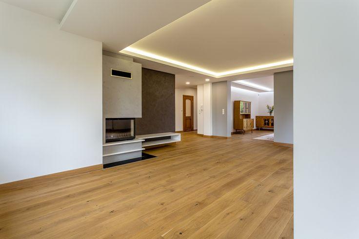 Na sprzedaż dom położony w Andrzejowie (Widzew) na pięknie zagospodarowanej działce o pow. 1387 m2. Na działce znajduje się również budynek (ok. 50 m2) z możliwością prowadzenia działalności gospodarczej lub innego przeznaczenia. Dom został całkowicie przebudowany w 2015 r. pod nadzorem architekta i projektanta wnętrz.