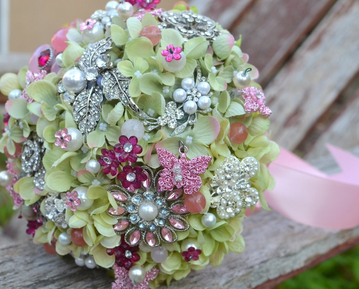 26 best Brooch Boquets images on Pinterest | Wedding bouquets ...