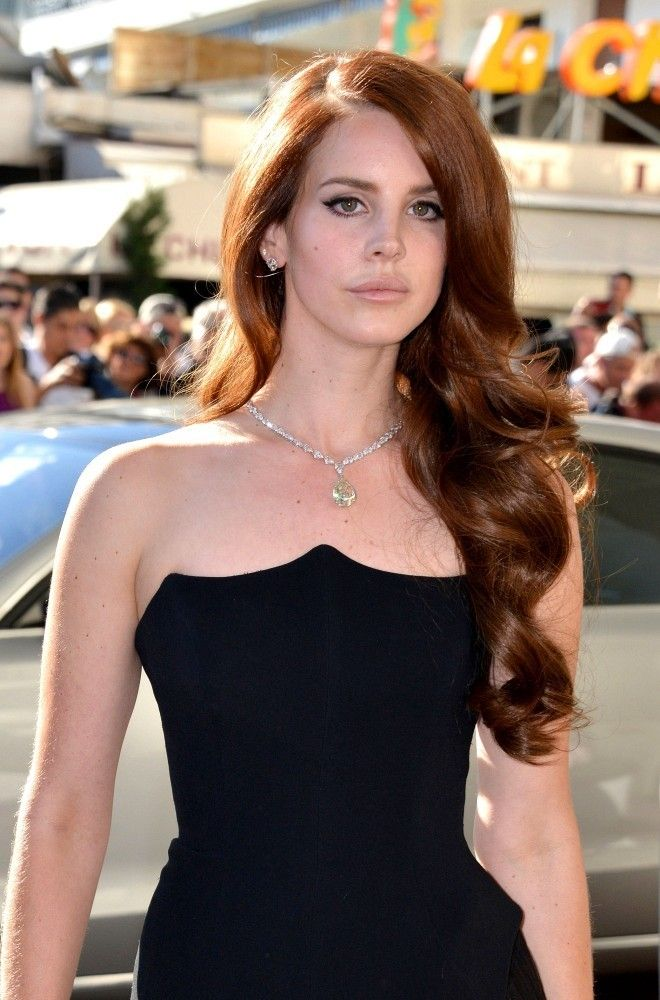 Lana Del Rey Long Curls - Lana Del Rey Hair - StyleBistro