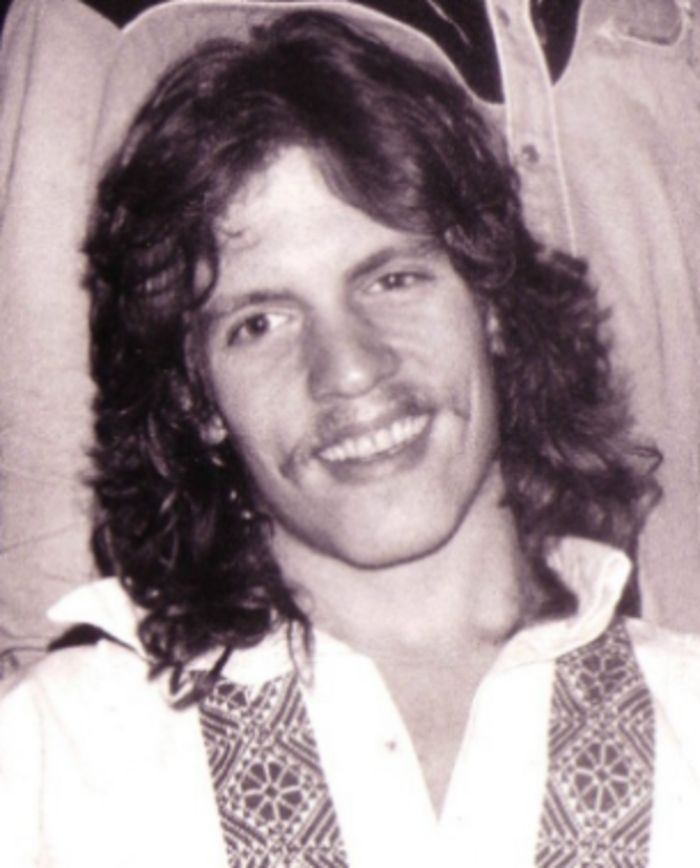 "Wells Kelly - Musician. He was the drummer for the 1970s pop music group 'Orleans'. They were best known for their hits ""Still The One"", and ""Dance With Me"". He also performed with rock singer Meatloaf's band. Cremated, Ashes given to family or friend. Specifically: Ashes at the home of his brother in Florida."