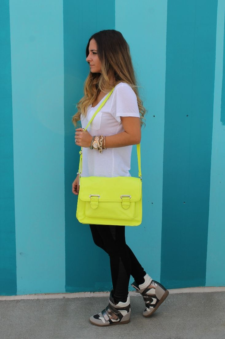 Soft White Tee Neon Streetstyle - pictures, photos, images