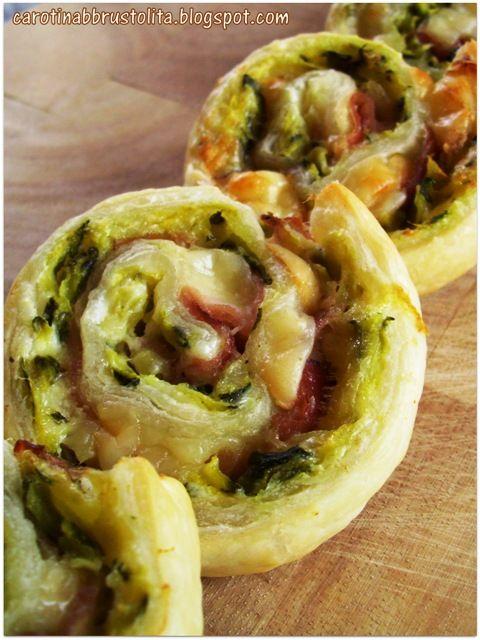 """Va bene, è una ricetta proprio semplice, ma è gustosissima!  Io a queste """"cosine salate"""", sopratutto se hanno una bella forma e dei bei colo..."""