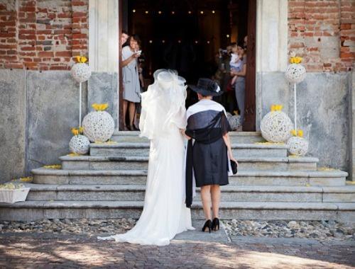 Rosso di seta è un'agenzia di wedding planner torinese nata dalla creatività di Daniela Vignetta che dopo aver lavorato nella comunicazione, nel marketing e nell'ambiente wedding ha deciso di impegnare la sua creatività nella realizzazione dei sogni dei futuri sposi.