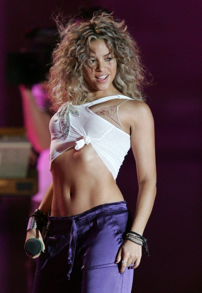36 Ridiculously Sexy Shakira Moments  Remember When -1133