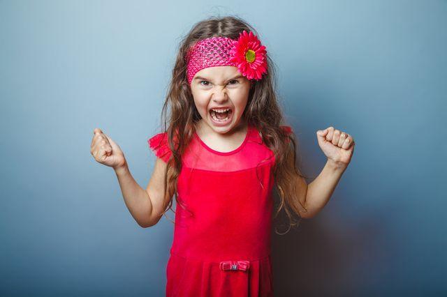 何度叱っても、病院の待合室で騒いだリ、お友達を叩いたりと、周りに対して迷惑行為をする子どもがいます。そんな子を持つママは肩身の狭い思いをしな...