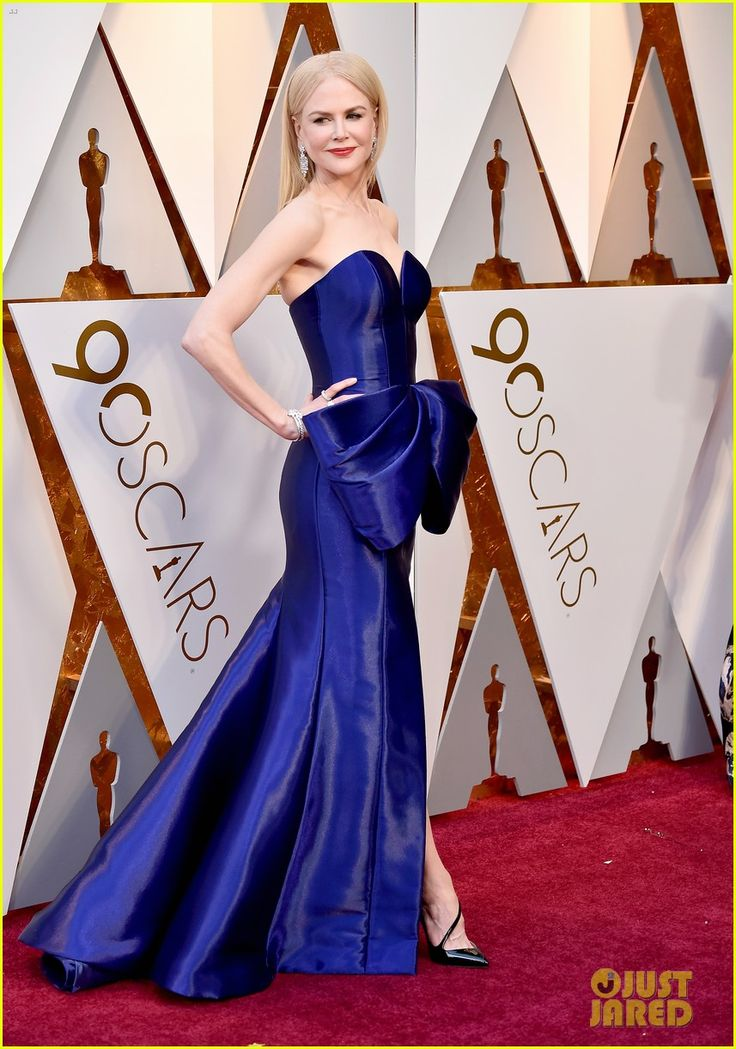 Nicole Kidman Wows in Armani Dress at Oscars 2018.