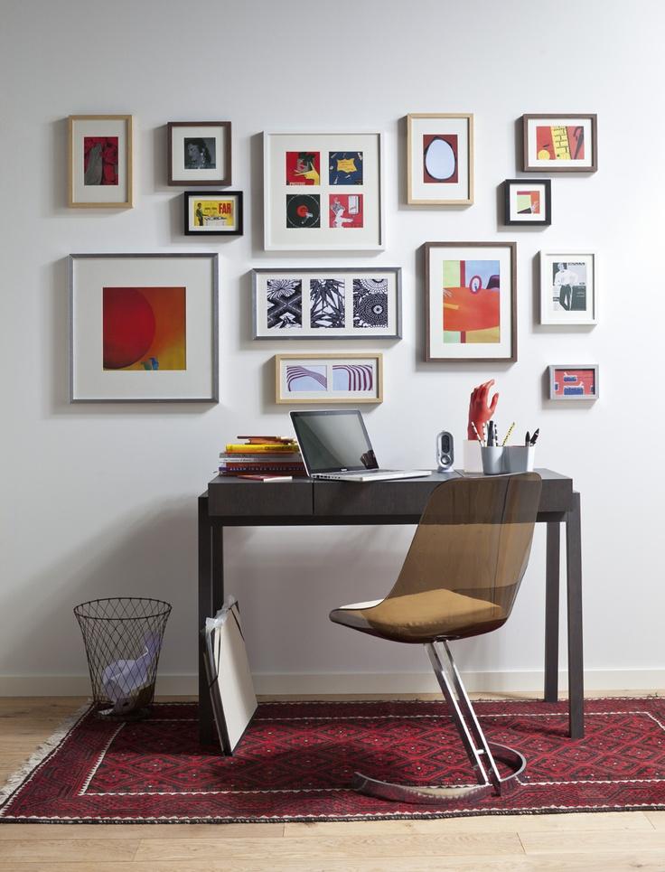 Un bureau pas très large, bien décoré et fonctionnel