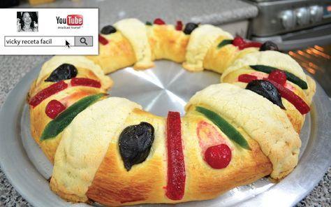 Cómo hacer la tradicional Rosca de Reyes, paso a paso, te quedará perfecta! :D La charola mide 46 cms de diámetro. La puedes hacer con batidora, siempre y cu...