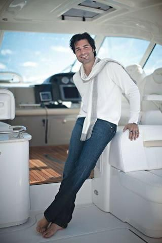 "My puertorrican men ""Chayanne"" Sir, you're veryyyy attractive. Therefore, i will stare at you. ツ"