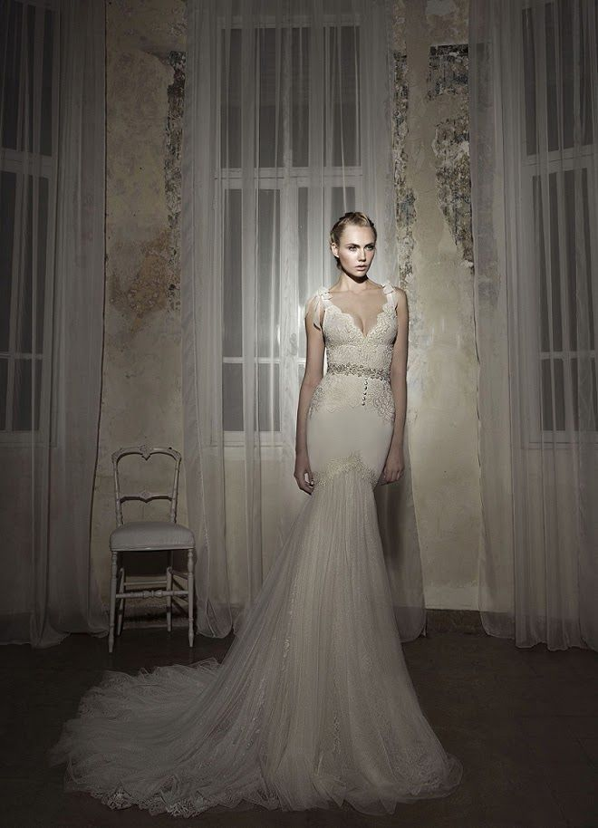 Bogey s club and cafe wedding dresses