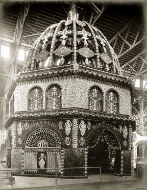 Missouri Corn Palace display in the Palace of Agriculture at the 1904 World's Fair. Missouri History Museum