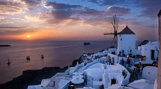 Sunset in Oia Oia, Greece 12 spots for sensational sunsets