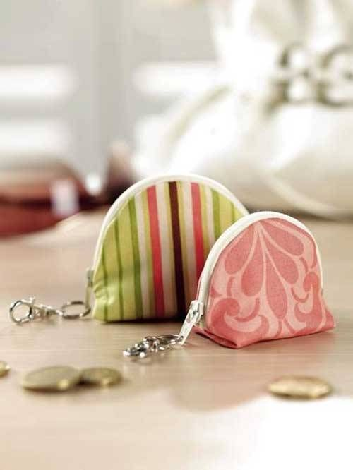 This simple coin purse has a flat bottom so that it can stand up straight, and a zipper that wraps from end to end so. This pattern is unlined so it's easy