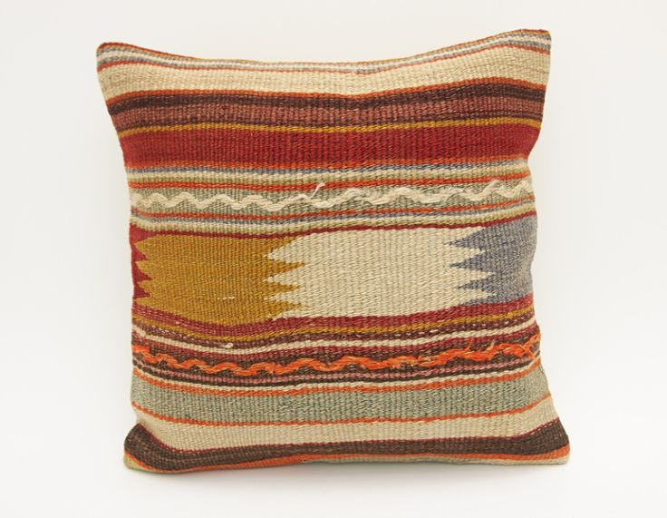 Vintage Turkish Kilim Rugs and Pillows - KILIMRUGAVENUE