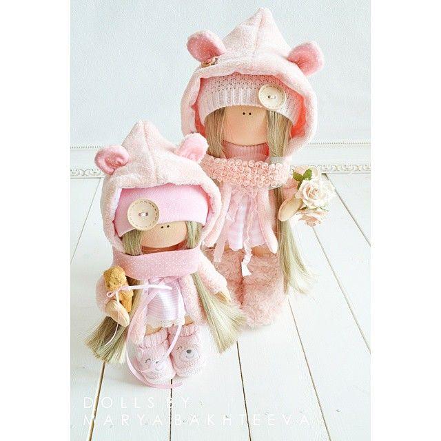 Розового много не бывает 〰〰〰〰〰〰〰〰〰〰〰〰〰〰〰〰〰 #моикуколки2015 #розовый #розовогомногонебывает#pink #fashion ##hobby #handmade #baby #ялюблюсвоюработу #моехобби #хобби #творчество #шитье #текстильнаякукла #текстильнаяигрушка #интерьернаяигрушка #интерьернаякукла #кукла #куколка#детскаямода #vscocam #кукла #куколки#своимируками #ручнаяработа #