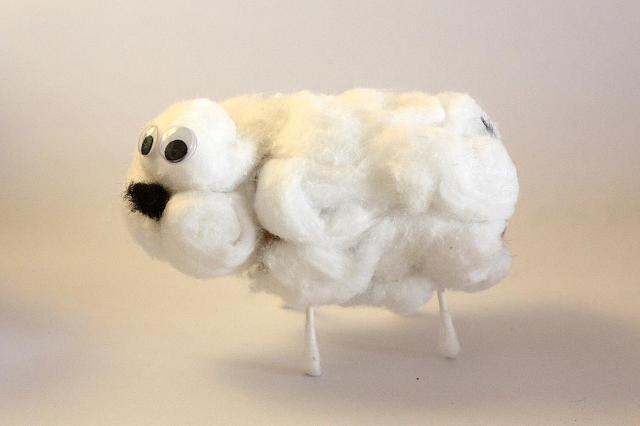 Ovejita de algodón: Adhiere las extremidades y la cabeza