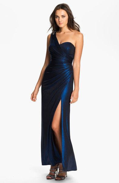 Xscape One Shoulder Ruched Jersey Gown in Blue (black/ royal)