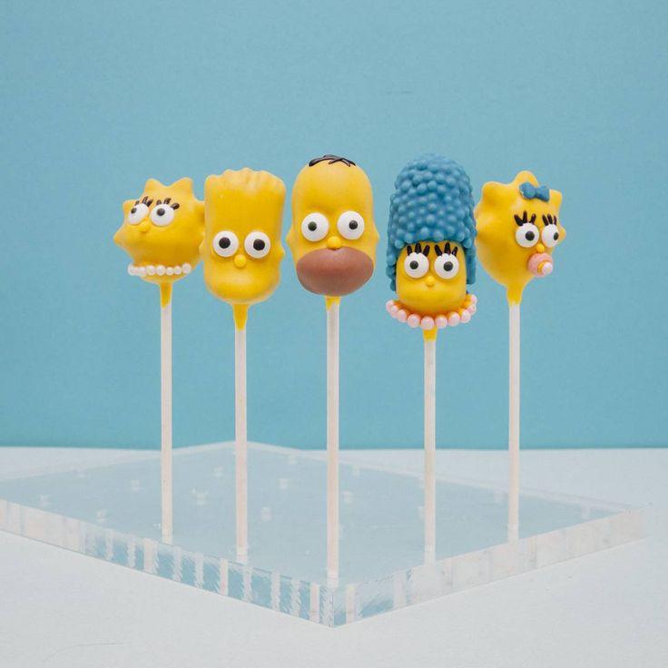 "Simpsons cakepop ""Happy simpsons family. How adorable ♡♡ . . #simpsonscakepop #cakepops #cakes #cakepop #popcake #케이크팝 #디저트 #sweet #케이크 #케이크스타그램 #cakestagram #dessert #cakeartist…"""