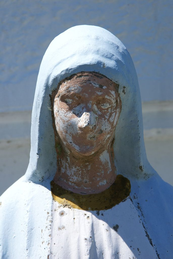 How to Paint Concrete Statues in 5 Steps