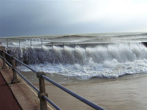 Gorleston on Sea memories | Photo:Stormy sea Gorleston 9th November 2007