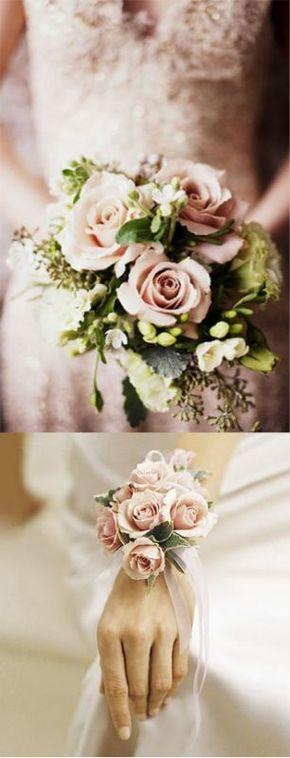 Bouquet de roses et de freeshias tout en douceur