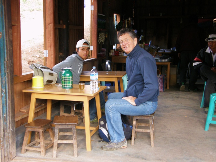 Myin Dike Station - Myanmar - Tea with my blessed trekking guide