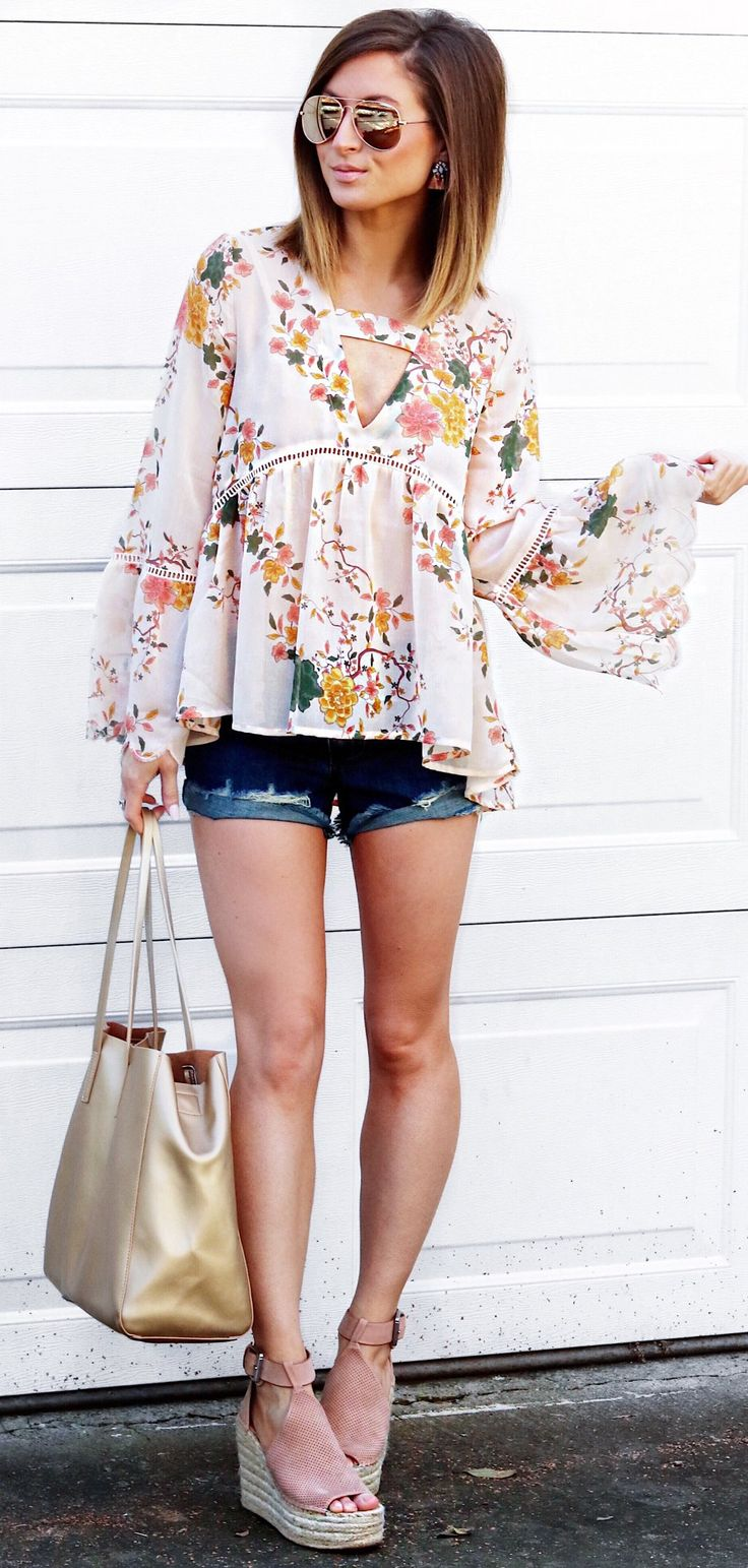 #spring #outfits  White Printed Blouse & Ripped Denim Short & Nude Suede Platform Pumps & Gold Tote Bag