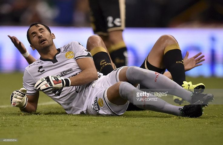 Dorados's goalkeeper Luis Michel reacts after accepting a goal during their Mexican Apertura tournament football match agaisnt America at the Azteca stadium on August 11, 2015 in Mexico City. AFP PHOTO/ Yuri CORTEZ