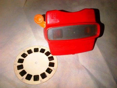 Viewmaster made in USA dengan handle tarik warna orange plus 1 reel film yang lagi-lagi tentang Arab.