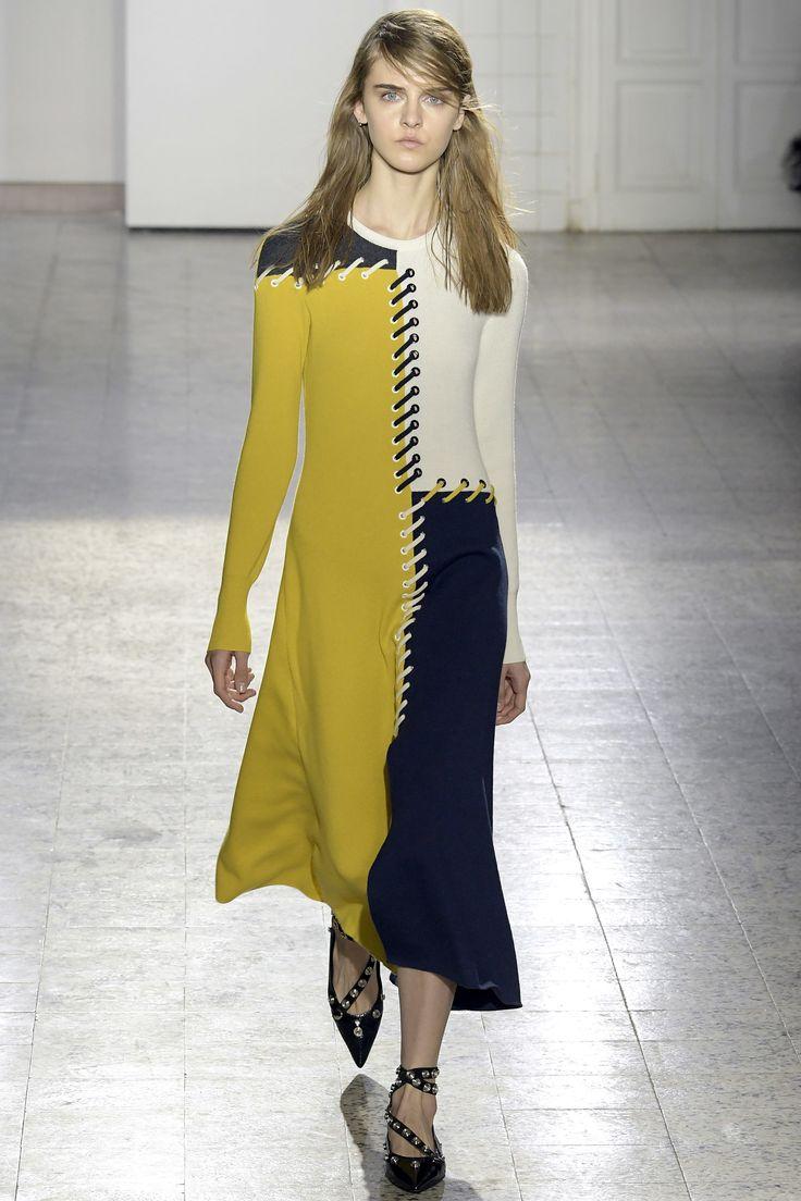 Cédric Charlier Fall 2017 Menswear Collection Photos - Vogue