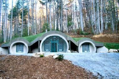 Dome house Hobbit and A thing on Pinterest