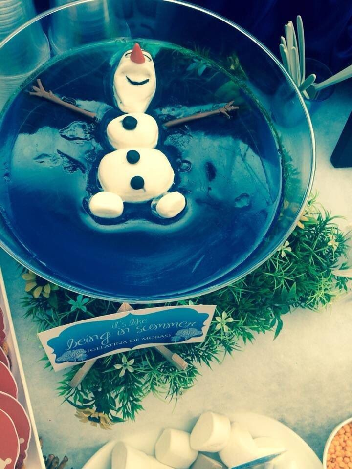 Frozen: Olaf floating in blue jello - Moe in tropical paradise do as craft ... I'd make this with a generic snowman for Christmas, maybe add a penguin.