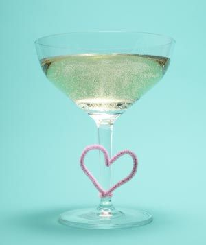Pipe cleaners as drink labels! Cute for Valentines Day!