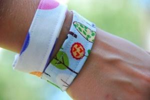easy bracelet craft for kids