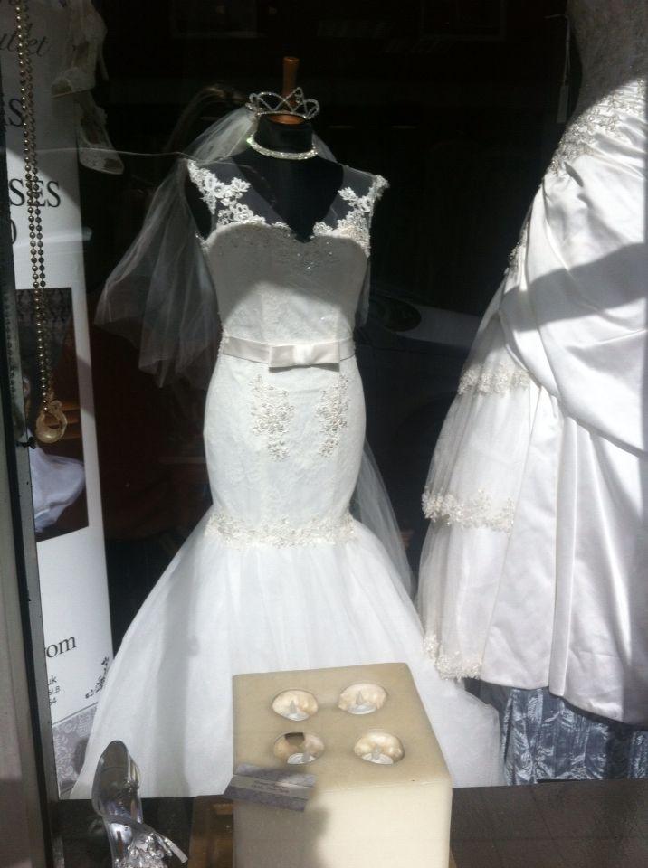 10 best Window Displays Victoria Rogerson Wedding Dress Outlet ...