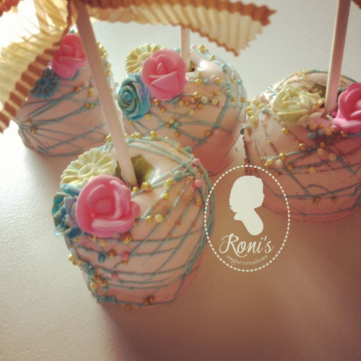 gourmet apples for a vintage princess party by ronisugarcreations.com