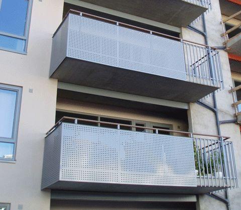 Balkongräcke av aluminium med perforerad aluminiumplåt