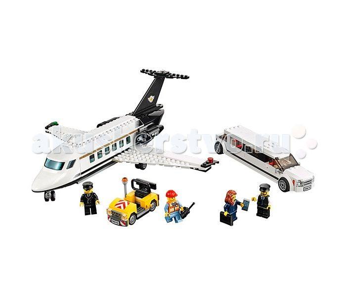 Конструктор Lego Город Служба аэропорта для VIP-клиентов  Lego City Город Служба аэропорта для VIP-клиентов состоит из 364 деталей, в комплект входят 4 мини-фигурки.  С ним тебе предстоит доставить очень важную персону в аэропорт и доставить ее на деловые переговоры на частном самолете! Привези бизнес-леди к взлетной полосе на роскошном белоснежном лимузине, а затем проводи в самолет. Не забудь проверить, все ли документы в порядке!  Служебный автомобиль У самолета подвижные колеса…