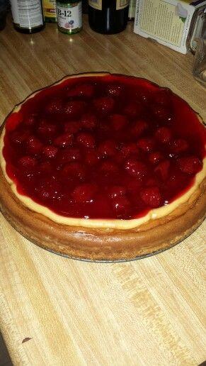 Strawberry sugar cookie crust cheesecake