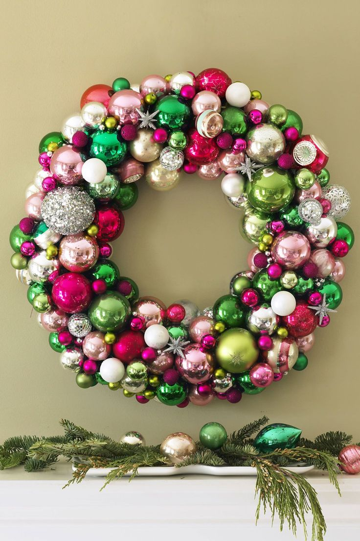 Christmas wreath ornaments - 55 Diy Christmas Wreaths To Get You In The Holiday Spirit
