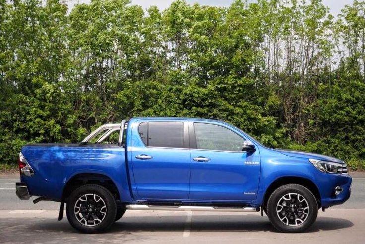 Toyota Hilux 2.4D -4D INVINCIBLE X Double Cab Pickup 2.4 4dr