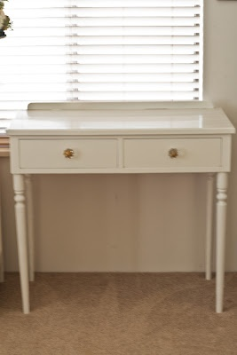 Love this desk style, tack it to the inside of the trailer with a couple of nails