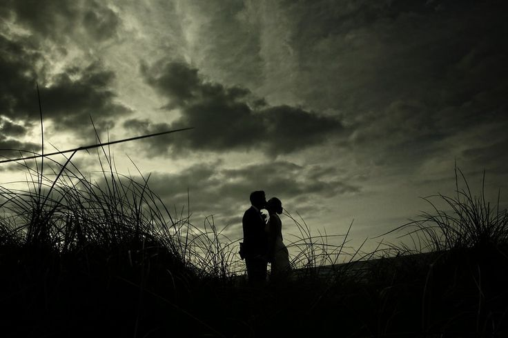 A dark evening backdrop for your wedding photos