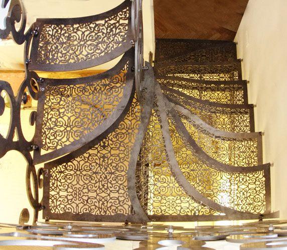 Bologna Staircase | un piccolo Omaggio ad A.Torregiani ,  ispiratore del decoro-design,  ancora contemporaneo dopo 350 anni -/-/- design by Lauro Ghedini & Partners