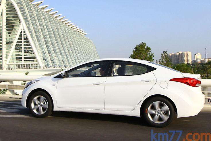 Hyundai Elantra Gama Elantra Gama Elantra Turismo Exterior Lateral-Posterior 4 puertas